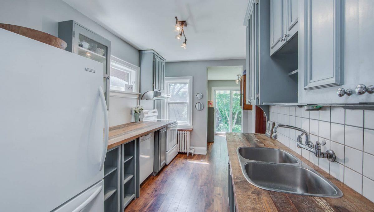 265 Brookdale Ave - Kitchen