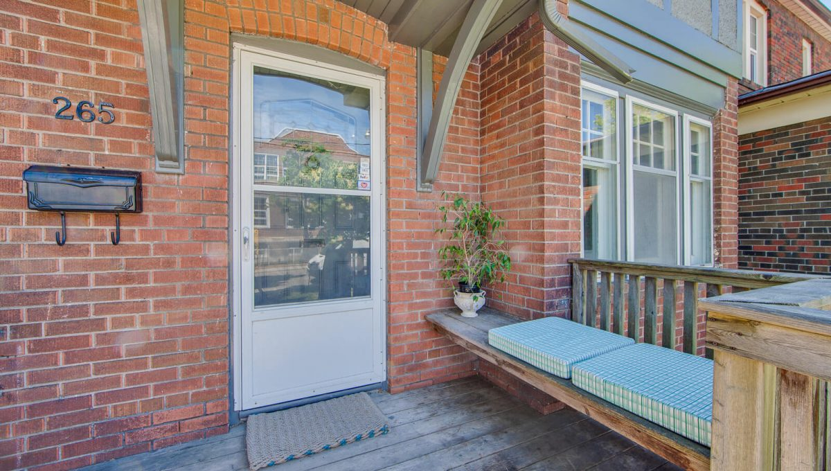 265 Brookdale Ave - Porch