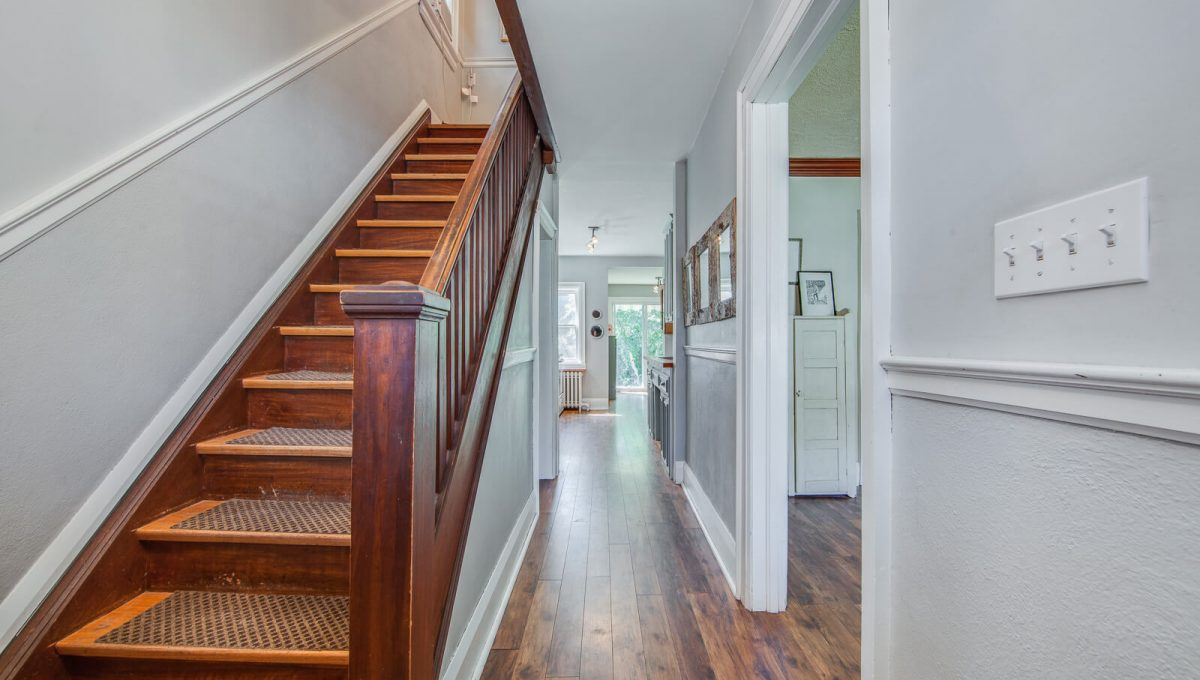 265 Brookdale Ave - Stairs