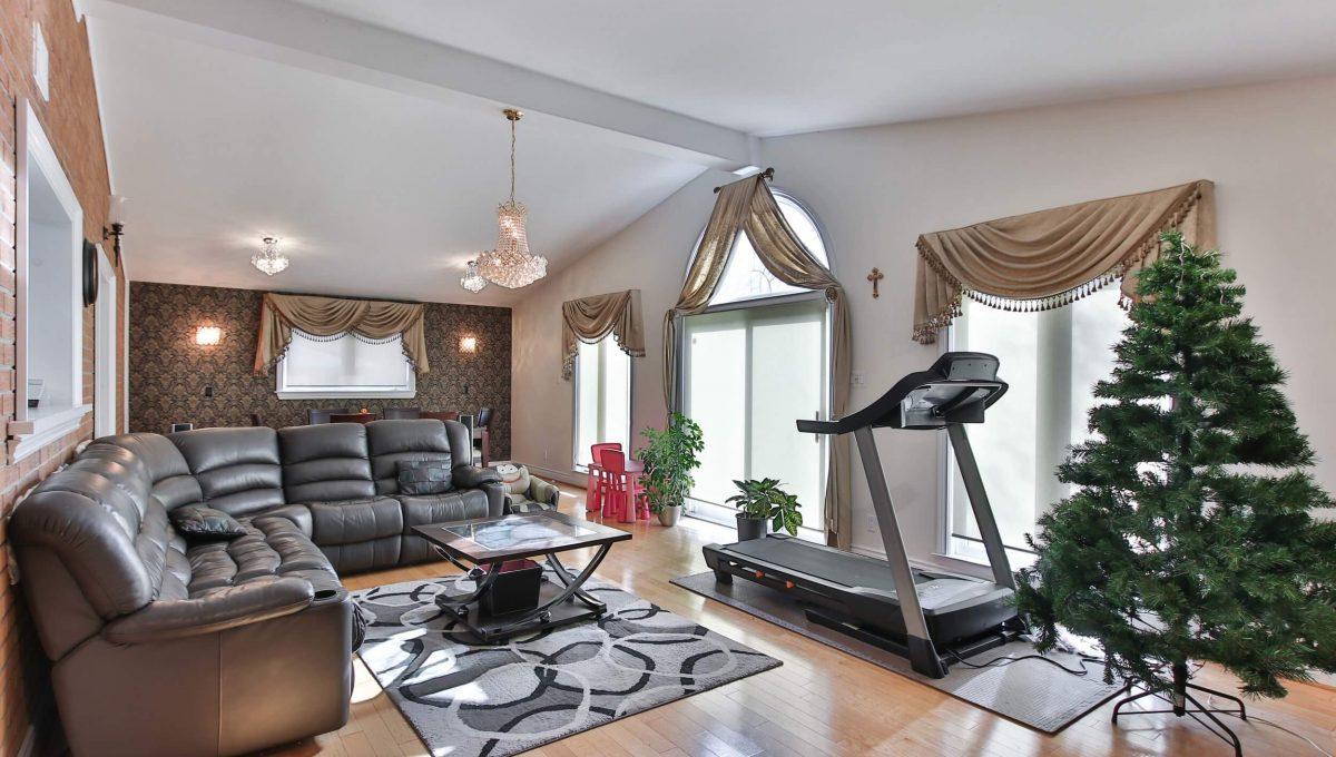 3 Gemini Rd - Living room