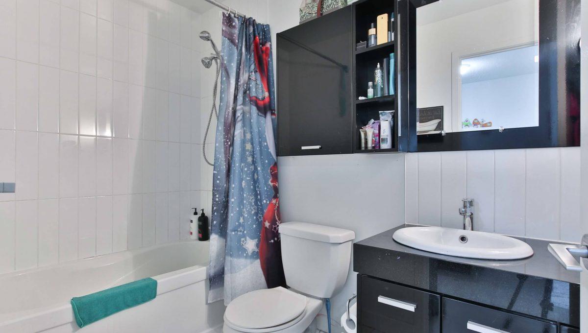 3001-29 Singer Ct - Washroom