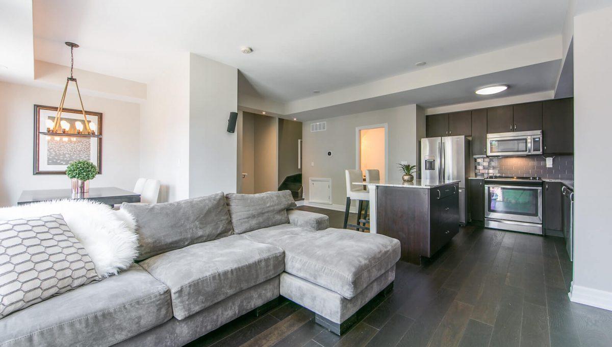 403-57 Macaulay Ave - Living room