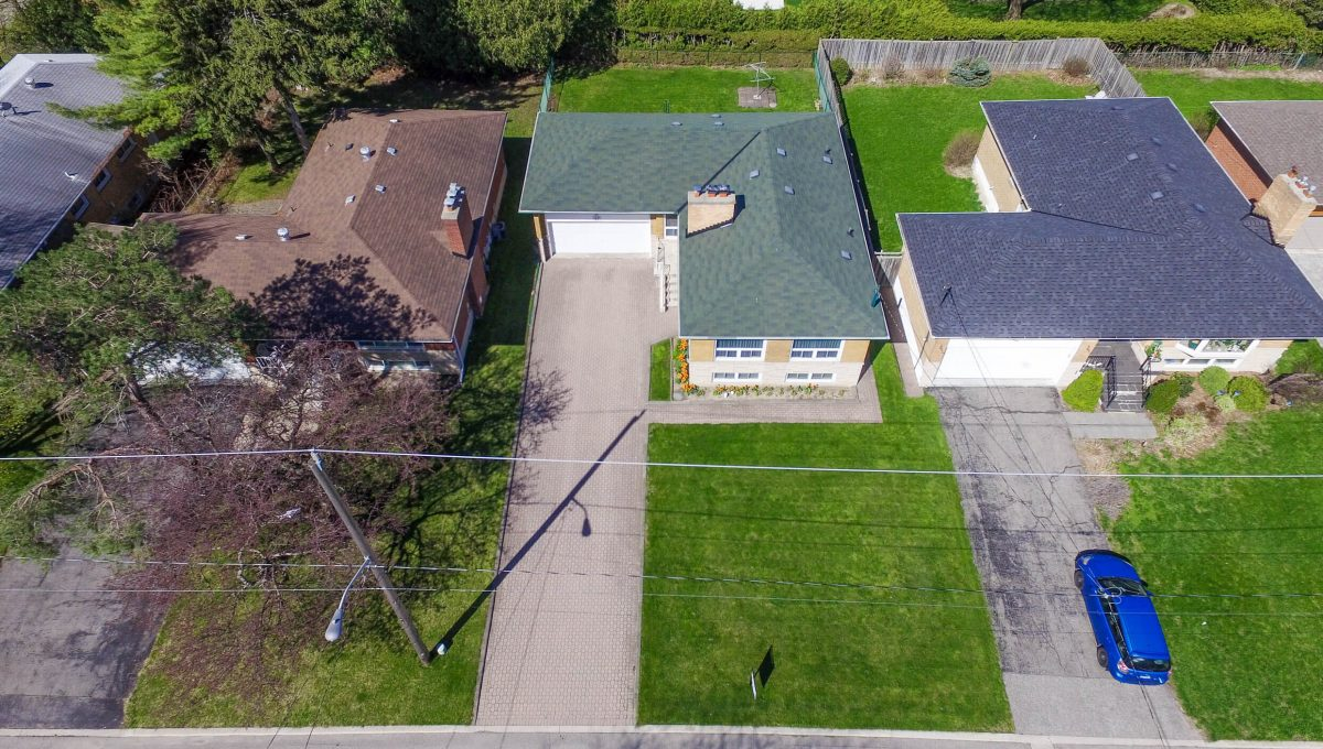 47 Bathford Cres - Aerial view