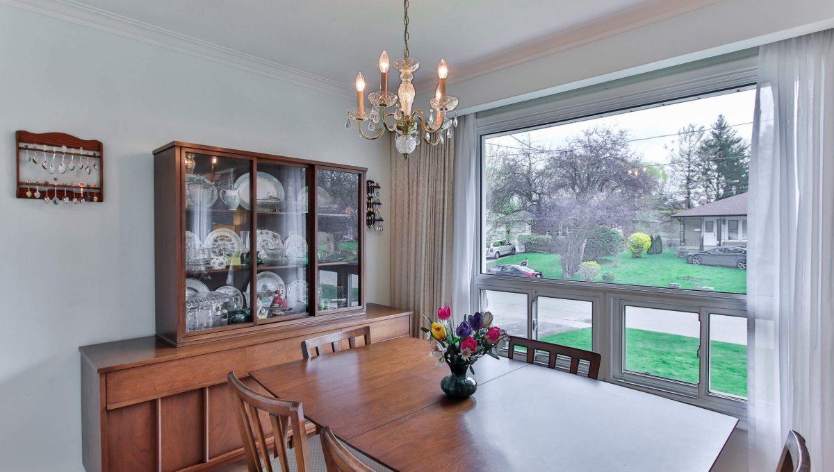 47 Bathford Cres - Dining room