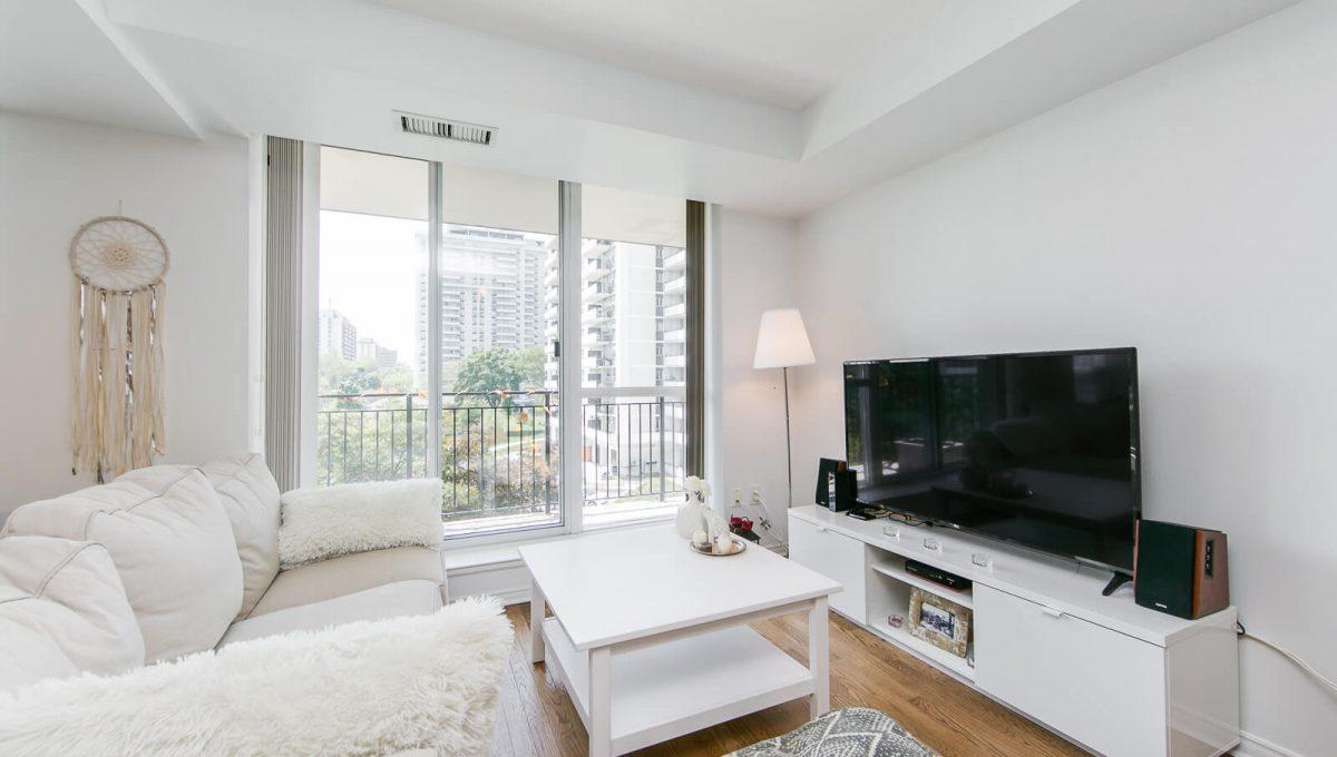 513-300 Balliol St - Living room