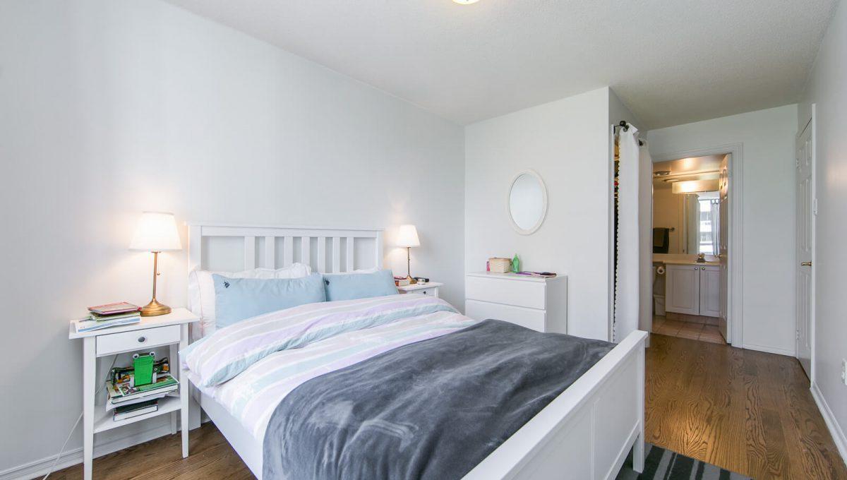 513-300 Balliol St - Master Bedroom