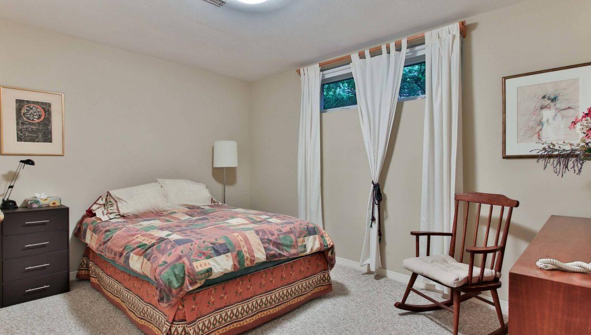 52 Sawyley Drive - Basement Bedroom