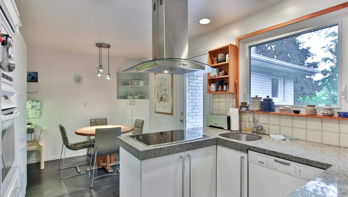 52 Sawyley Drive - Kitchen