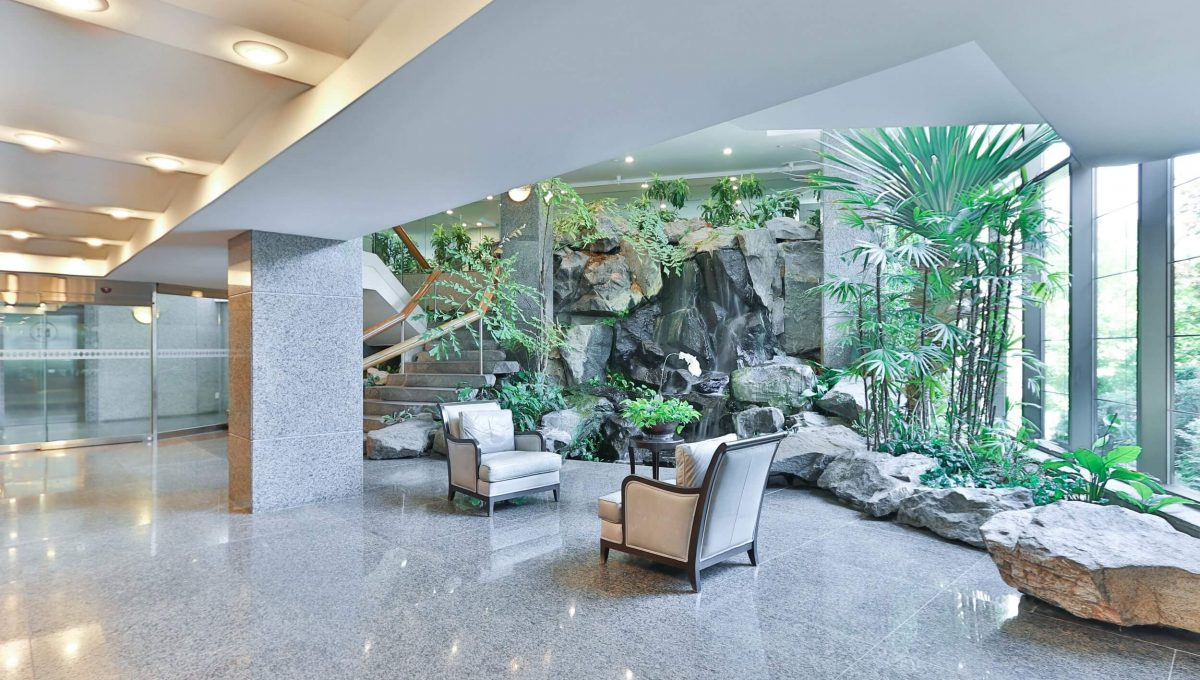 710 - 3800 Yonge St - Lobby