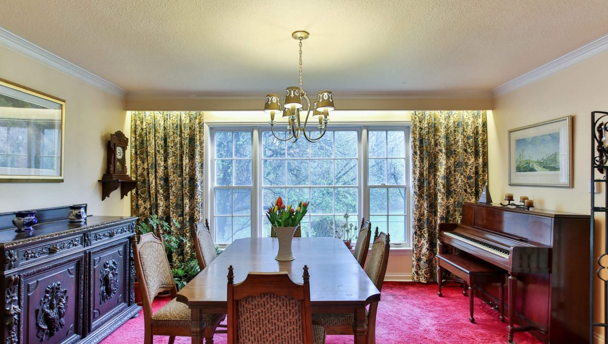 9 Bernick Rd - Dining room