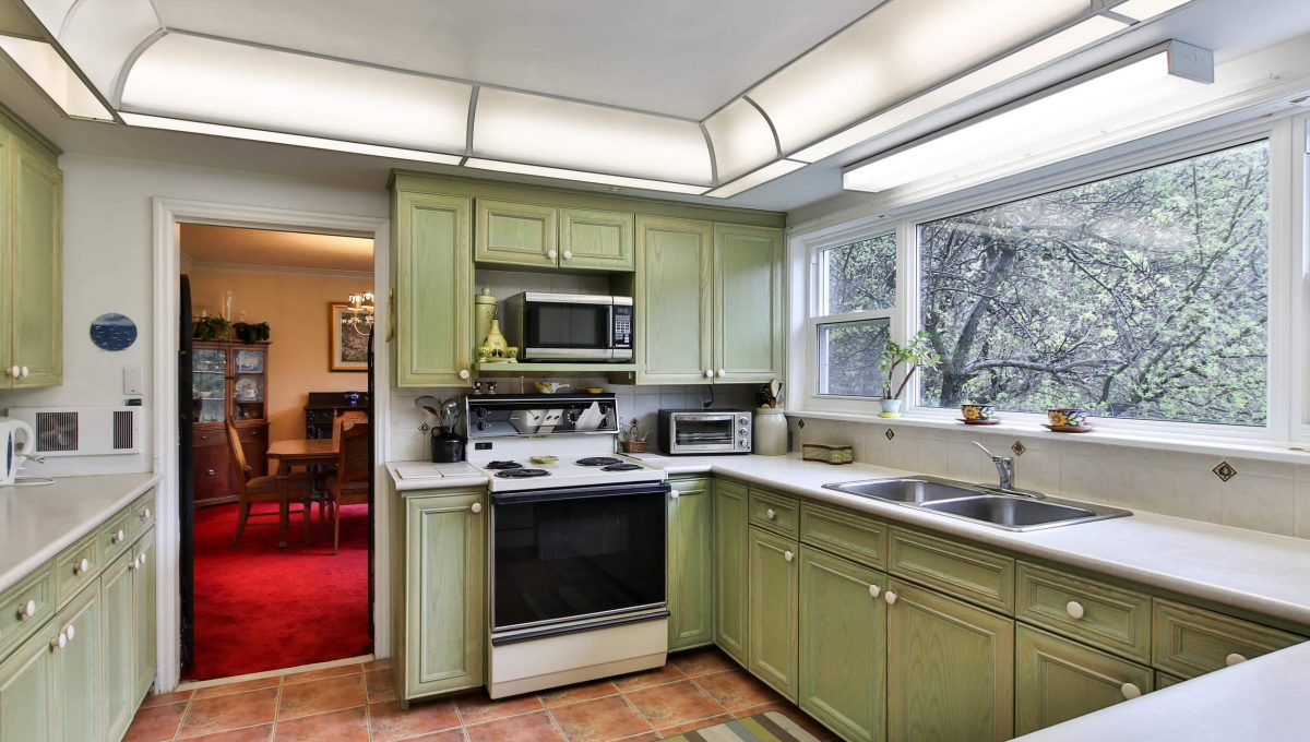 9 Bernick Rd - Kitchen