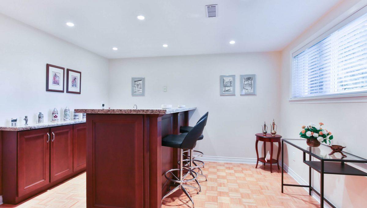 9 Restwell Cres - Bar