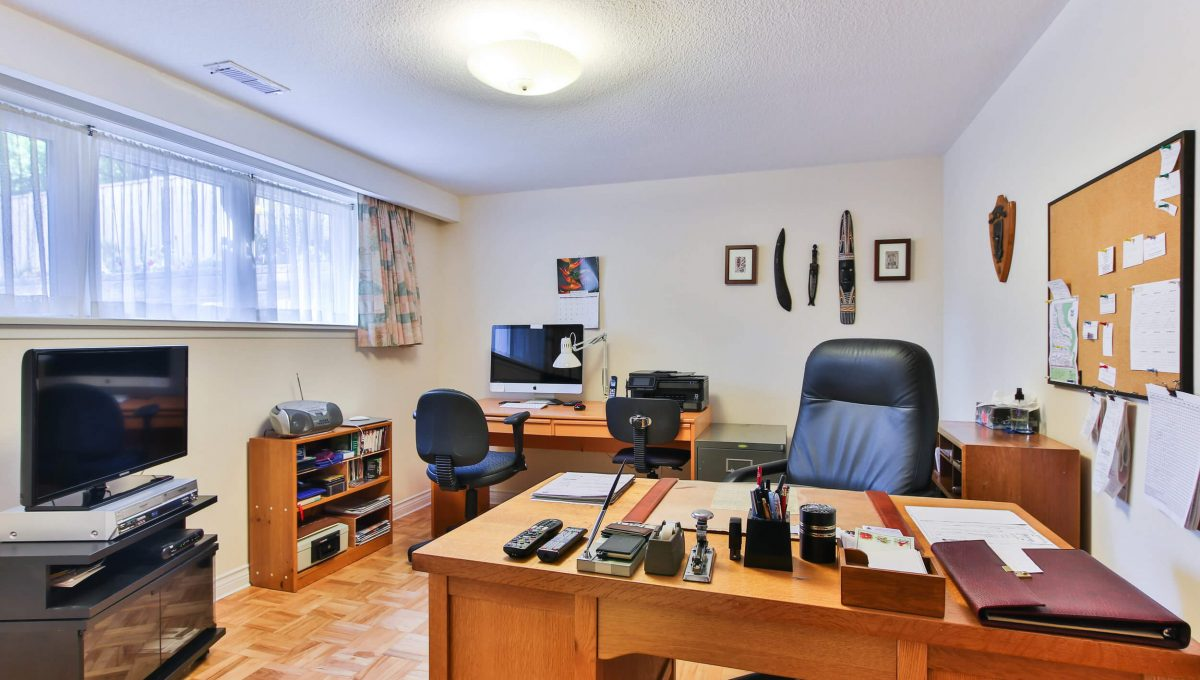 9 Restwell Cres - Office