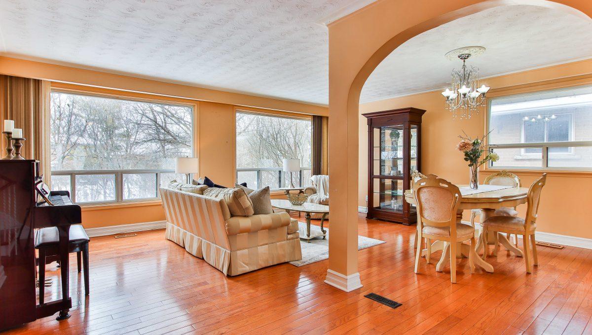 230 Goulding Ave_Livingroom