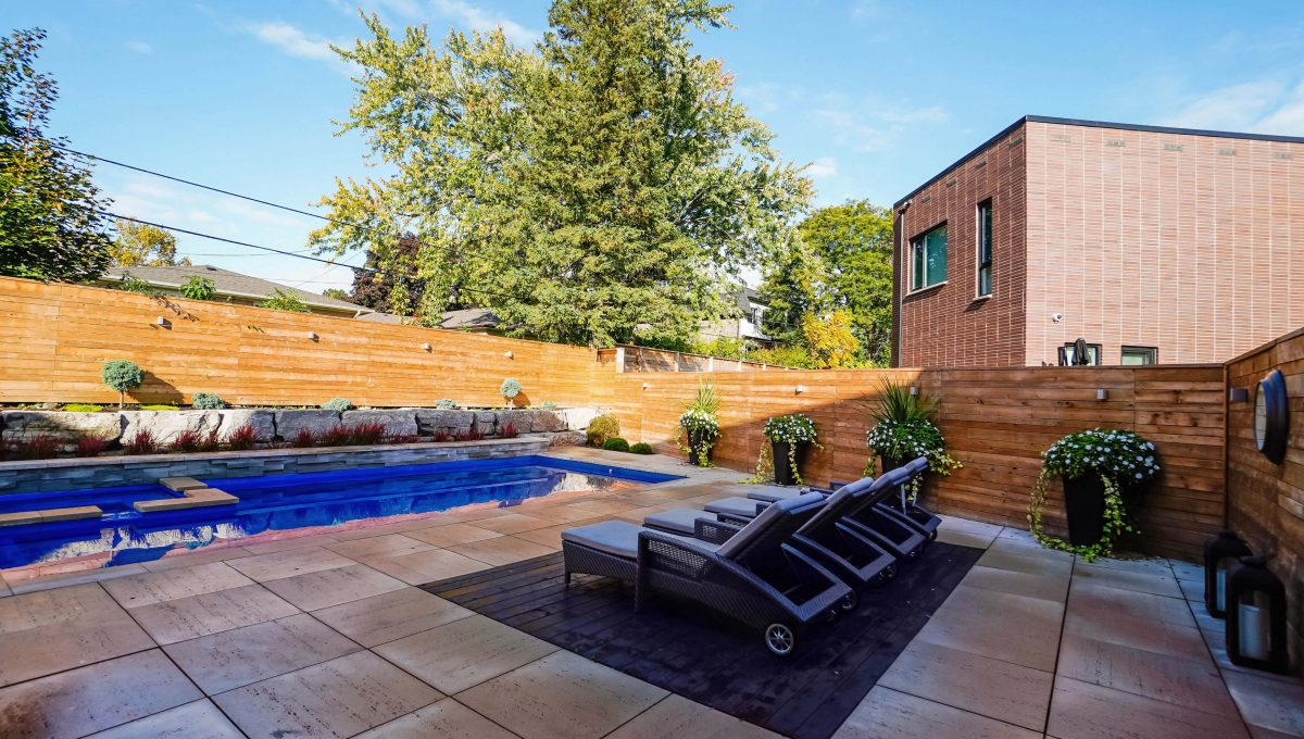 10 Valliere_Deck Pool