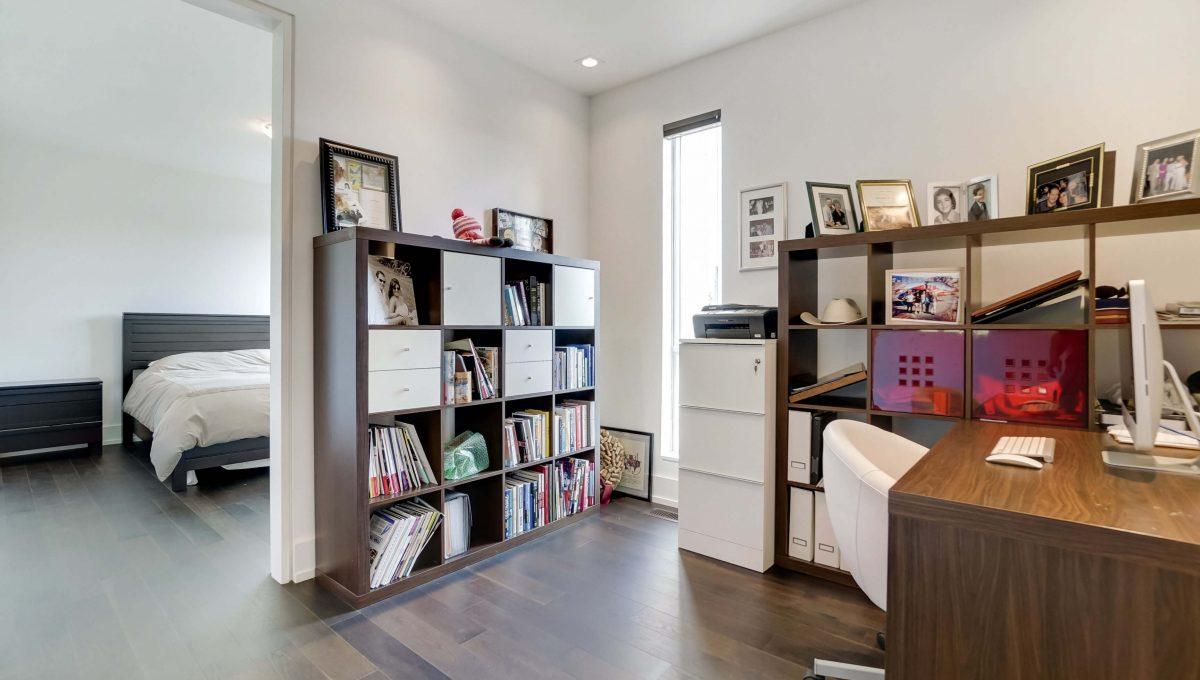 10 Valliere_office