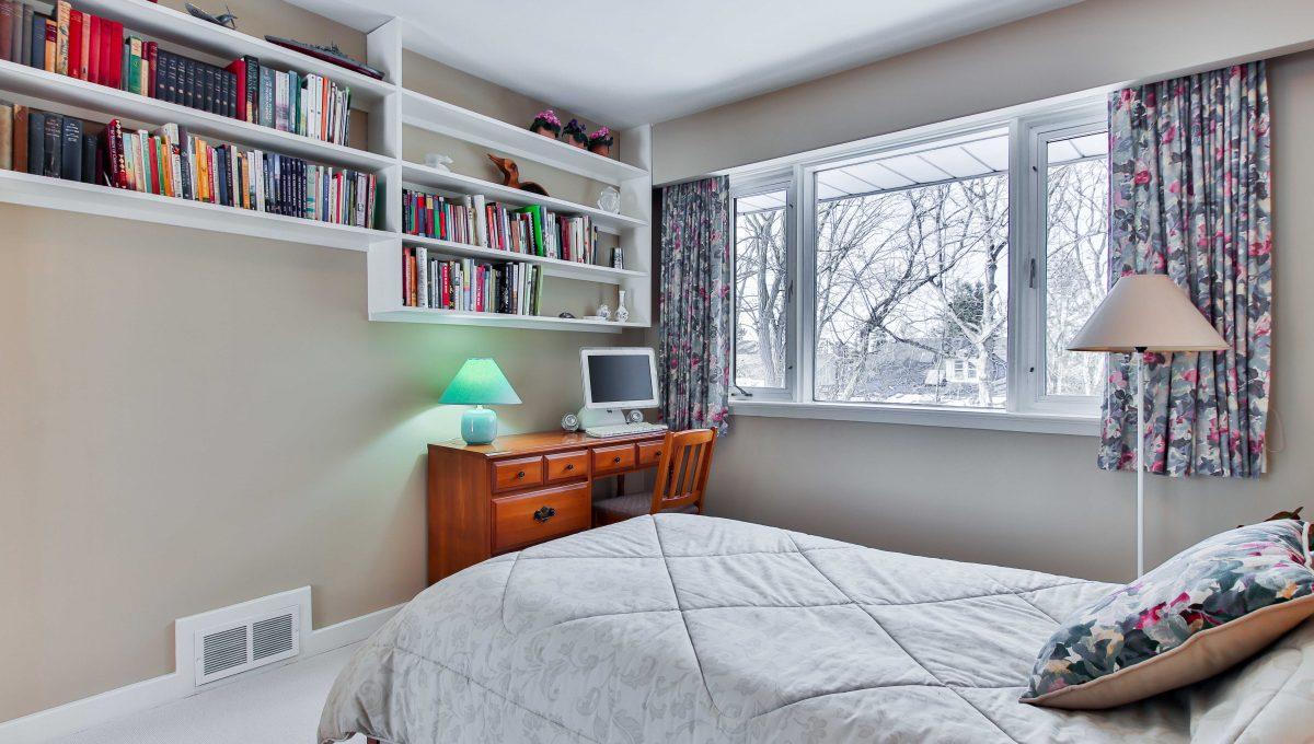156 Nipigon_Bedroom2