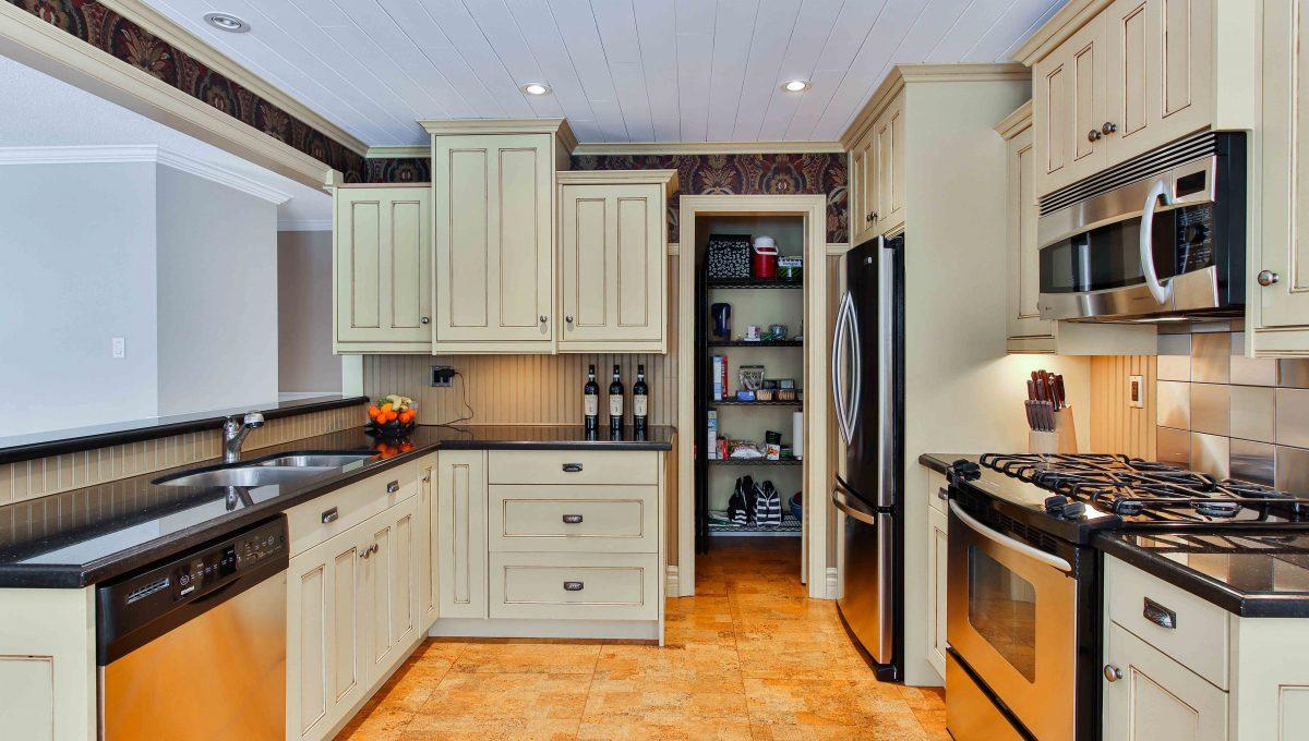 94 Thompson_Kitchen 2