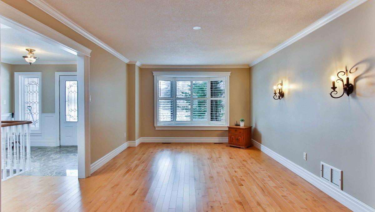 94 Thompson_Livingroom
