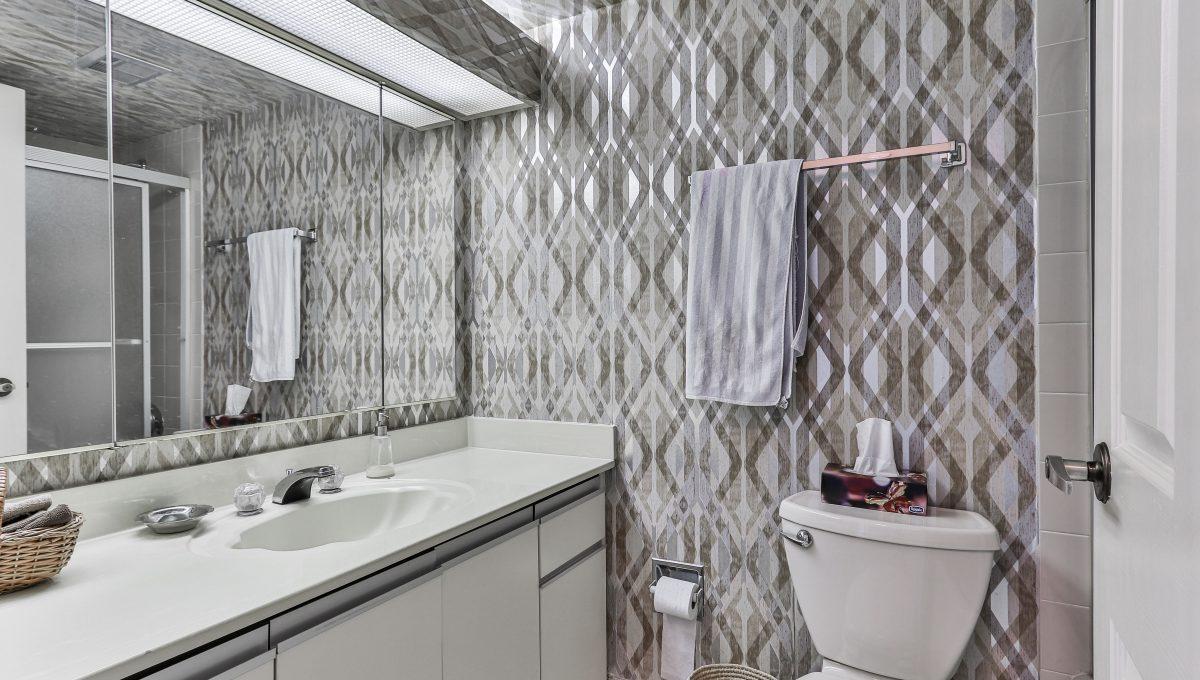 25_Washroom1