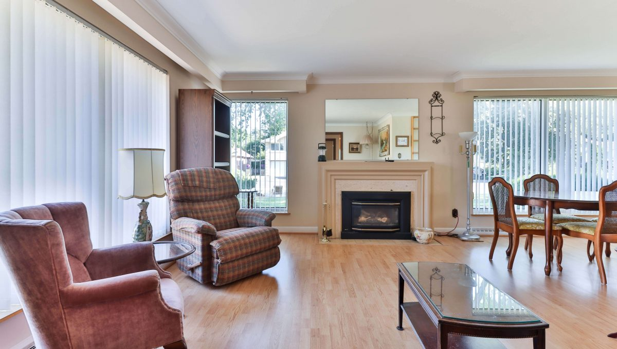 234 Newton_Livingroom