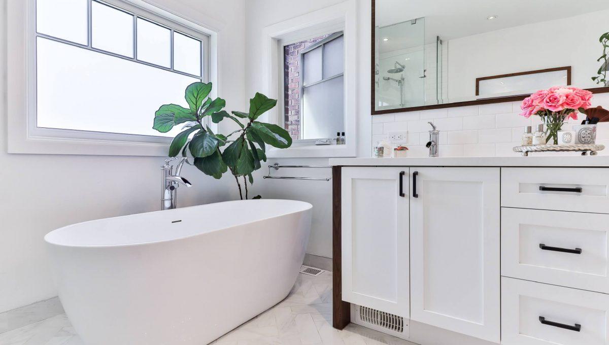 96 Maplewood_Bathroom