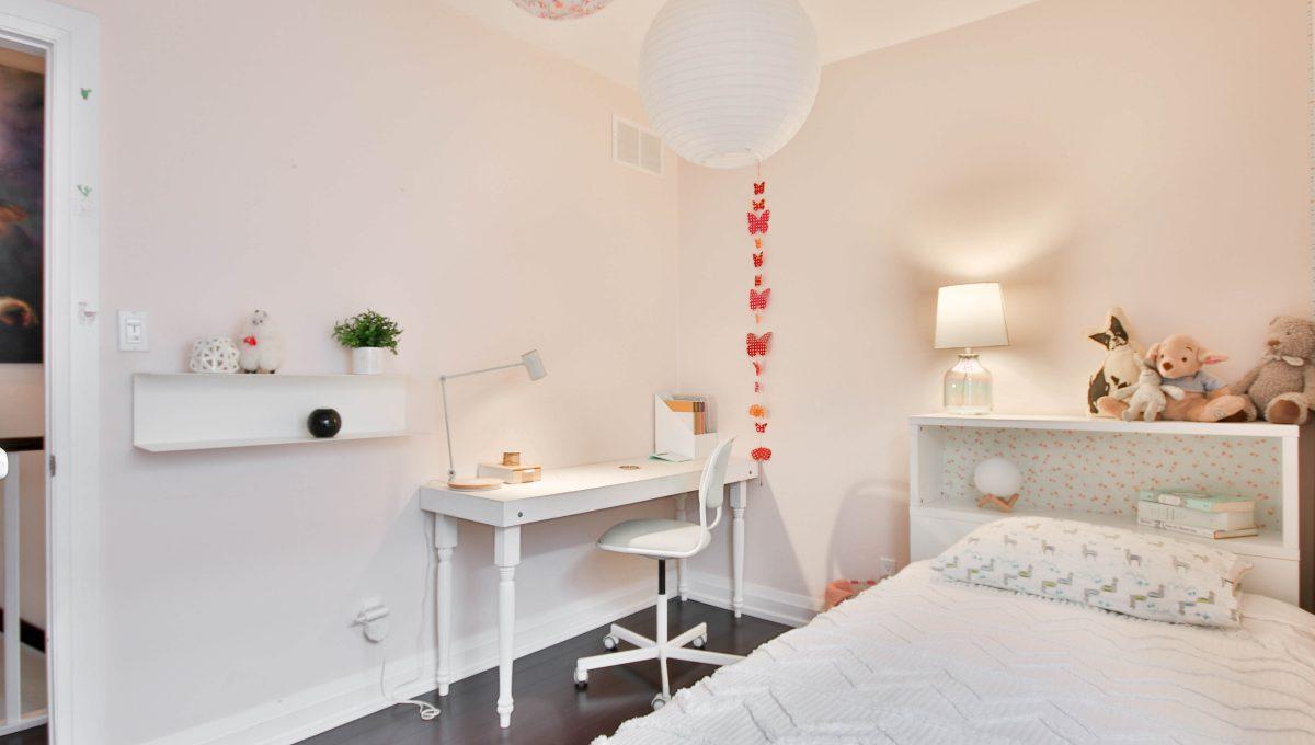 31_Bedroom1