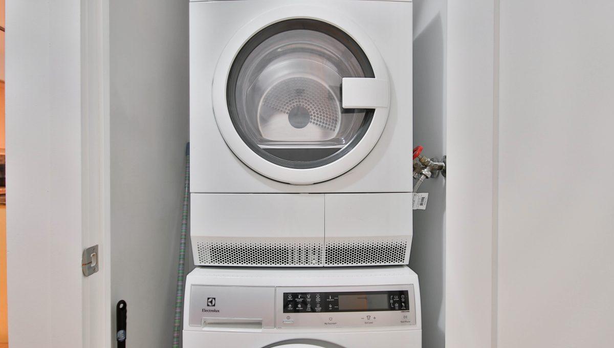 10_Laundry
