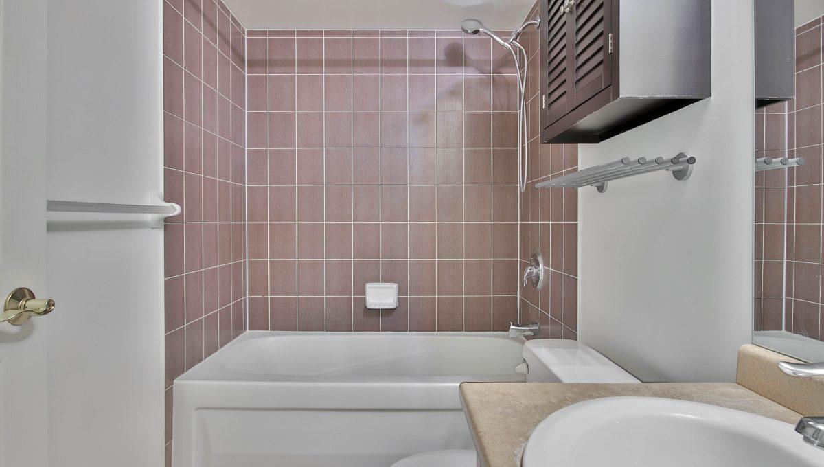 14_Bathroom
