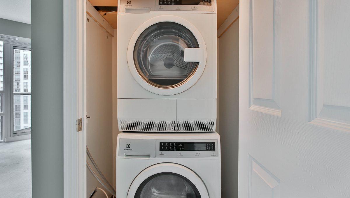 28_Laundry