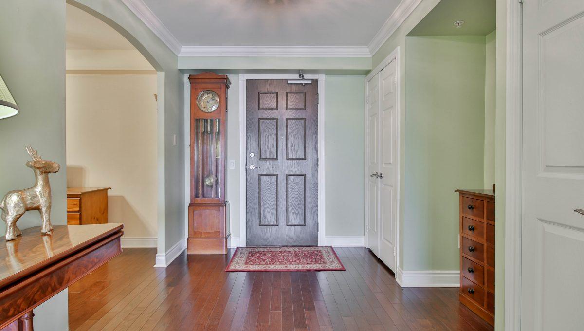 11_Foyer