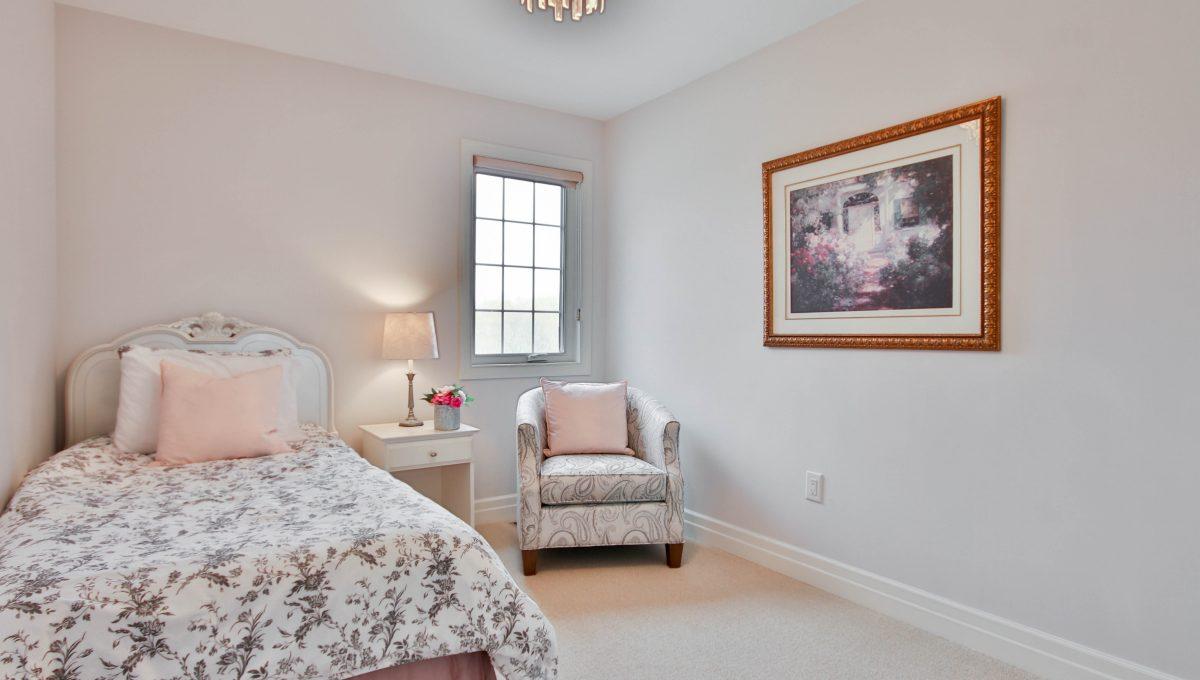 35_Bedroom2