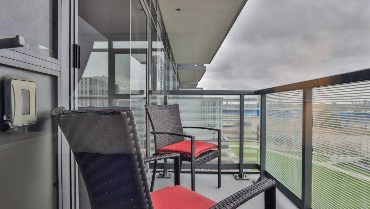 36_Balcony