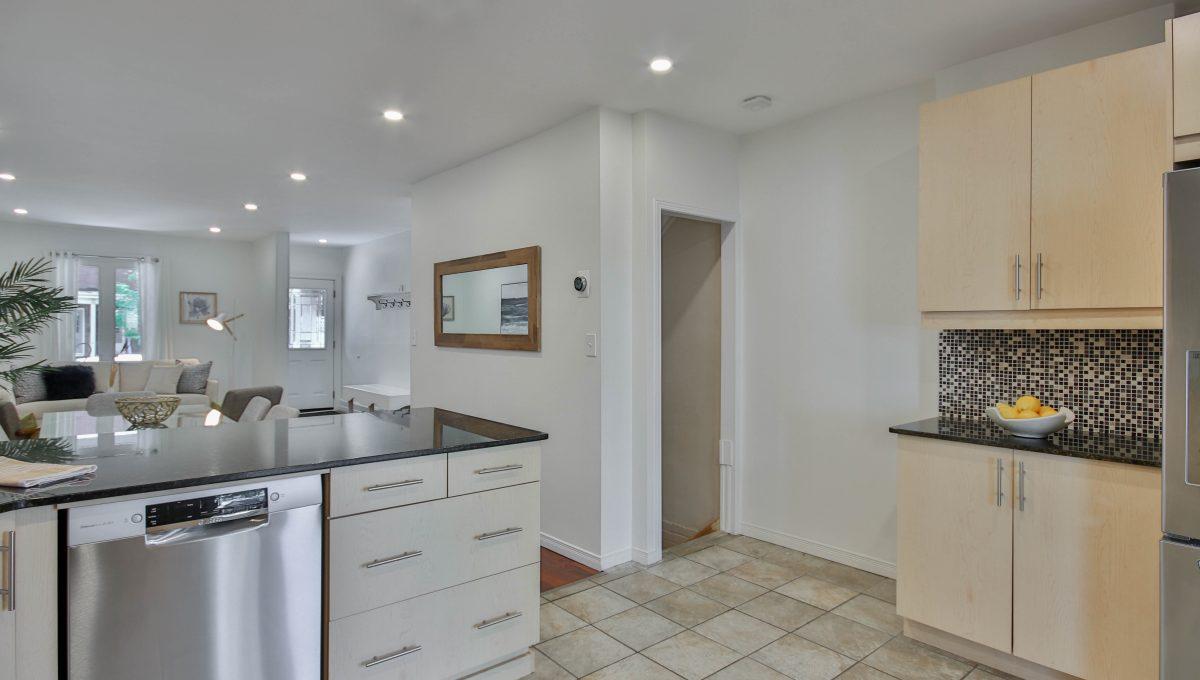 24_Kitchen