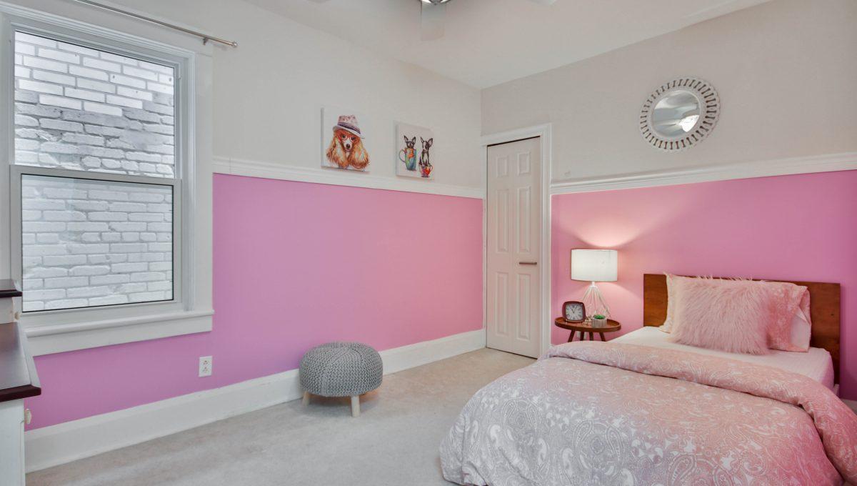 31_Bedroom2