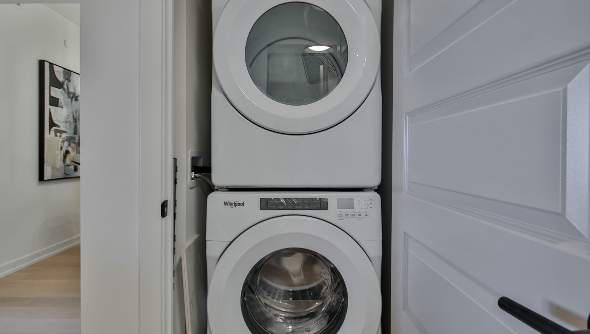8_Laundry
