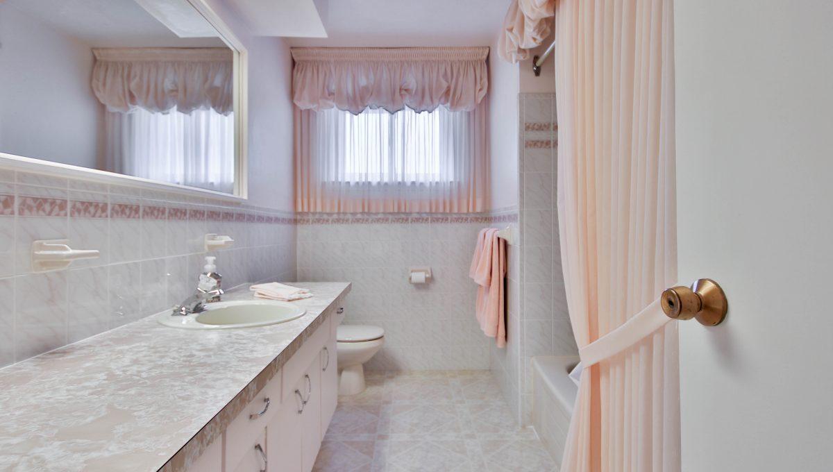 33_Bathroom