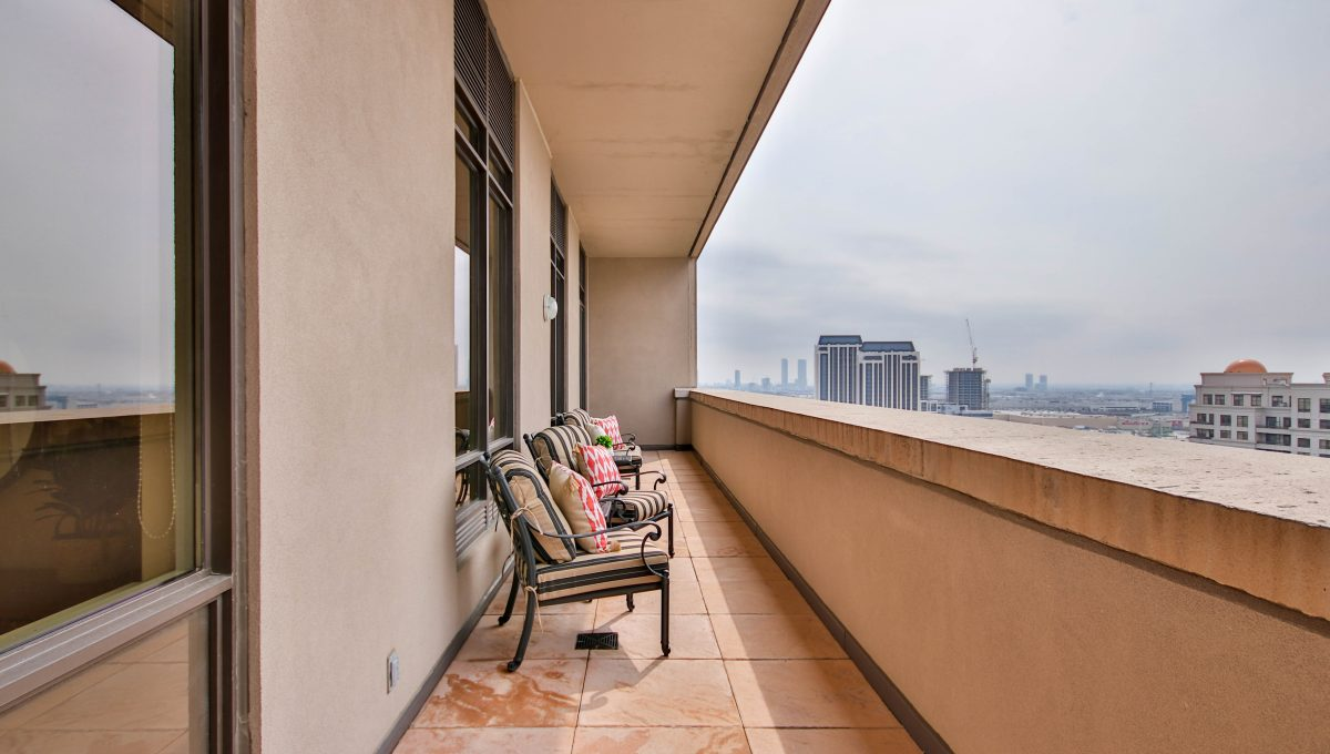 44_Balcony