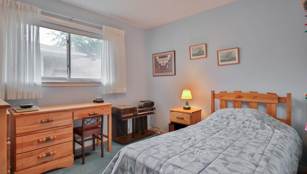 44_Bedroom2
